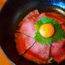 国産牛にこだわるステーキハウスのローストビーフ丼ランチ