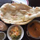 680円で満腹!大きなナン&カレーのセット「サハラ」@谷保