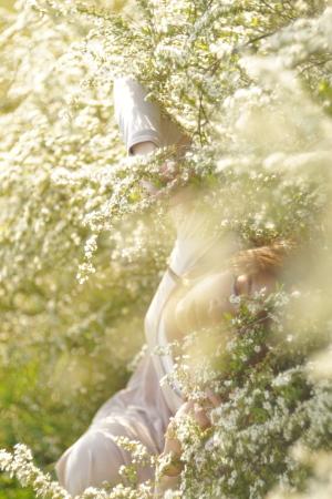アズマサトシ  「春の光に溺れて」