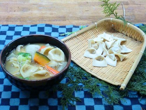 地元の郷土料理「みみ」作り