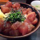 女性一人でも気軽に!吉祥寺ハモニカ横丁の丼専門店「まぐろのなかだ屋」