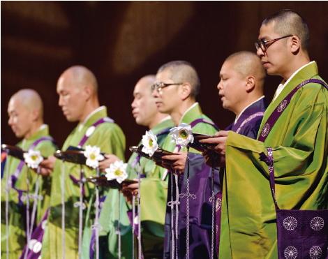 僧侶たちの声は圧巻