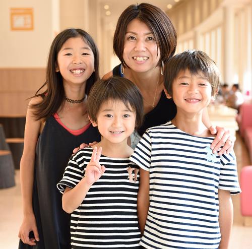 ららぽーと立川立飛・今月のママ・須藤久美さん、花凪ちゃん、碧生くん、 羽舵くん