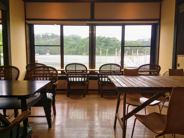 moramora cafe sea