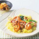 魚介たっぷりあんかけ焼きそばと鶏肉とキクラゲの中華サラダ