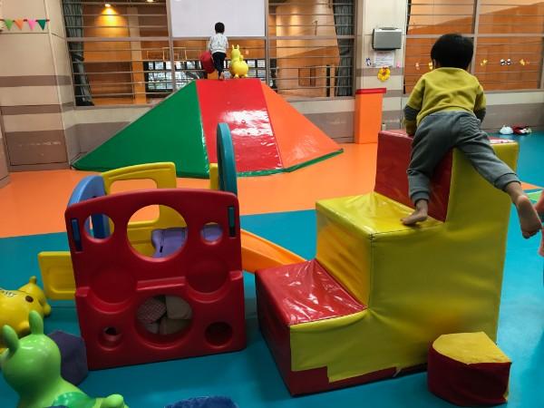 寒がりママに朗報!ママもキッズも快適に遊べる『小平市 幼児体育室』