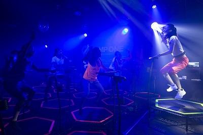 トランポリンでエクササイズ☆三宮に「ジャンプ ワン Sannomiya」オープン