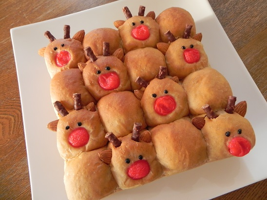 ホームベーカリーで簡単★トナカイちぎりパン