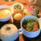 舞子の小さなほっこりカフェ「マシェリ」で、野菜たっぷり人気ごはん♪
