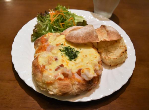 横浜元町の隠れ家的カフェで味わう!魅惑の「グラパン」