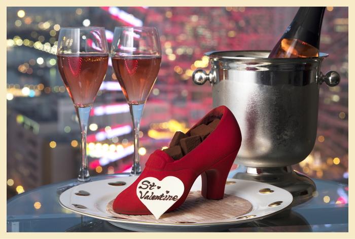 赤い靴をかたどったチョコレー