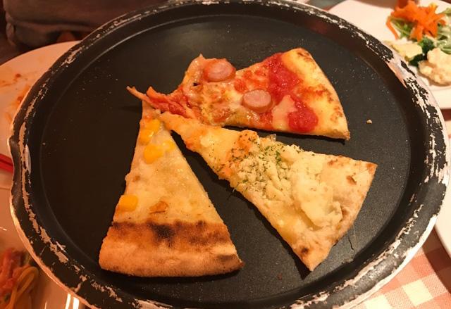 石釜で焼き上げた本格ピッツァが食べ放題!マリノランチでお腹いっぱい!