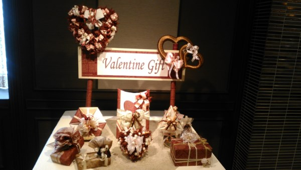 今年のバレンタインプレゼントはプロにラッピングしてもらいませんか!