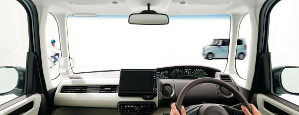 運転席が高く視野が広い車を選びましょう
