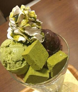 パフェが巨大!抹茶・ほうじ茶スイーツの「nana's green tea(ナナズグリーンティー)」モゾ3階