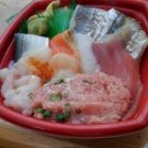 幕張の海鮮丼お持ち帰り専門店「丼丸けん」