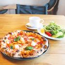 心から落ち着く一軒家カフェで、小麦の香り豊かなナポリピザを ミーテカフェ
