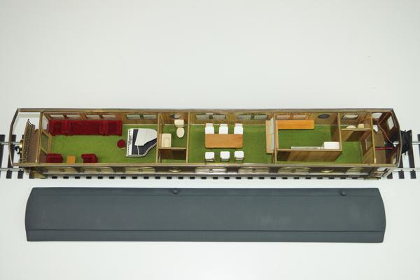 resize_或る列車2401 展望車 内部