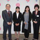 初マラソンで日本人トップの好成績! 関根花観選手が町田市長を表敬訪問