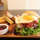 「コックテイルハンバーガーズ」で絶品鶏肉100%パティを堪能!@武蔵境