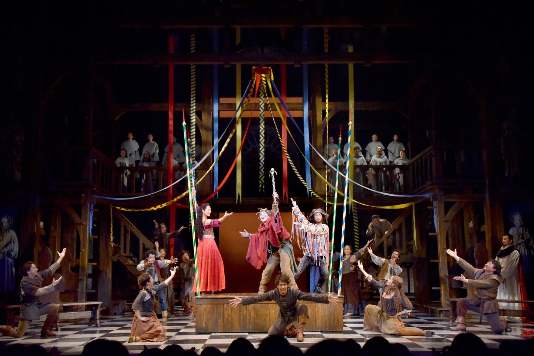 劇団四季『ノートルダムの鐘』舞台写真②(C)Disney