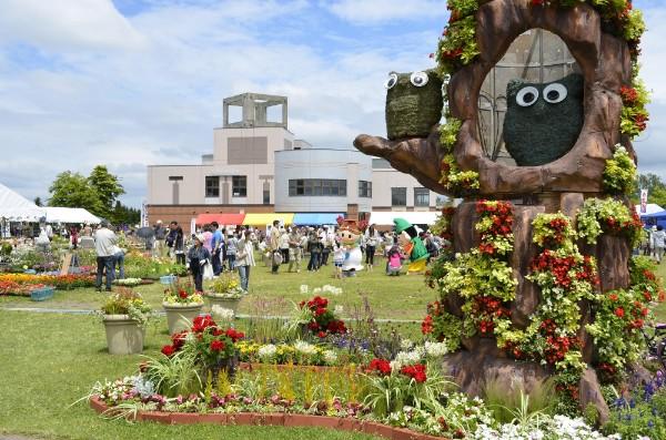 花いっぱいのイベント「恵庭花とくらし展」会場で挙式するカップル募集中