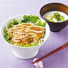サラダ豚丼  アスパラのミルク味噌汁