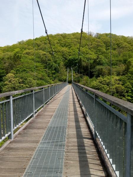 【七ヶ宿町】大自然が感じられる!東北一のやまびこ吊橋&長老湖