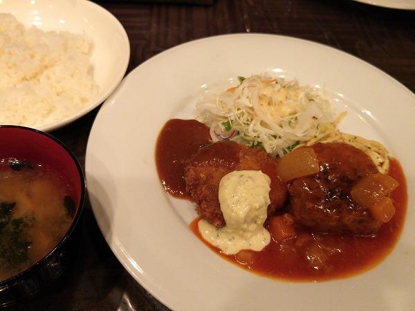 ハンバーグは創業以来不動の人気!大阪駅前第2ビル「いわむら」