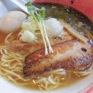 鶏・昆布・魚介の旨味たっぷりラーメン!東温市の『芯せかい』