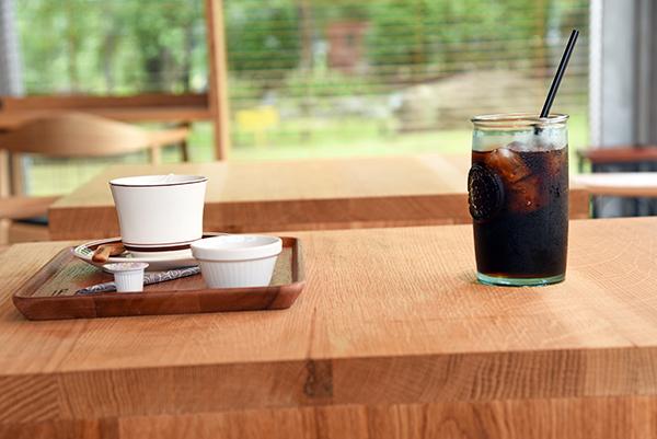 花小鳥COFFEE STAND 北柏ふるさと公園、林の中のオープンカフェ