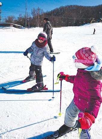 子供のスキー授業のため、毎週スキーを特訓しました