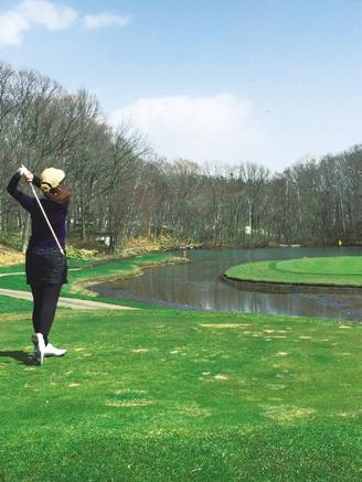 札幌に来てからゴルフにはまっています。昨年は40回コースに出るほど