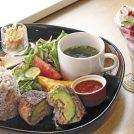 【太白区茂庭】三世代が満足の多彩ランチ「SAKA(さか)食堂」