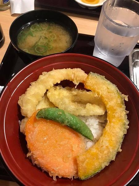 国内一店舗目「天ぷらスガキヤ」が大須にオープン!!安さの秘密はセルフにあり