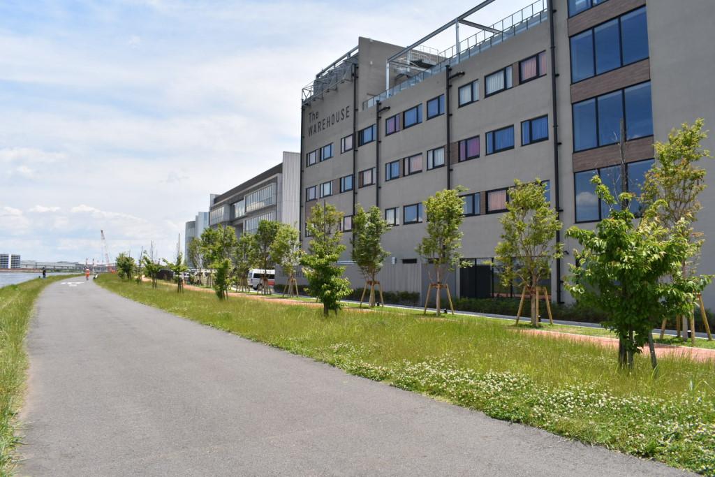 warehouse_ura