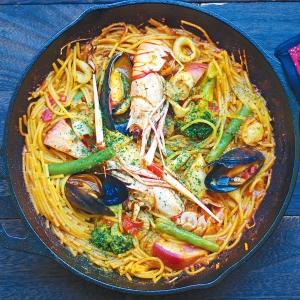 「海の幸と練馬野菜のパスタパエリア」