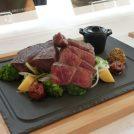 関西初!「エイジングシート」使用の発酵熟成肉をラ・スイートで体験