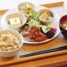 子連れで行きたいカフェ!国立「マゴメラボ」で玄米と夏野菜たっぷりランチ