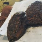 いつでも焼き立て!「パンのトラ」夏の定番・黒いシーフードカレーパン。八事店限定パンも
