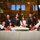特大ケーキカット&200人に無料配布!横浜ベイシェラトン「開業20周年記念セレモニー」