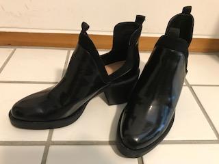 【ZARA】のブーツで秋冬雨の日対策