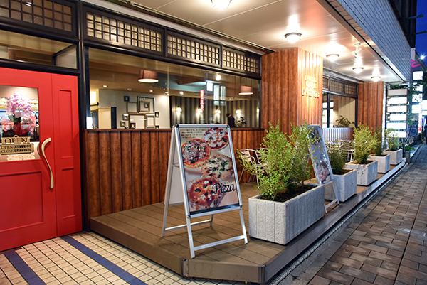 CHRONOS(クロノス) 柏駅東口サンサン通り パスタ、ピザ、ワッフル、ランチにティータイム、ディナーまで