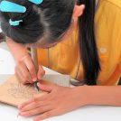 【鎌倉彫資料館】一生ものの作品をつくる!「親子で楽しむ鎌倉彫体験教室」
