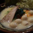 豚骨スープは濃厚クリーミー!なのにスッキリ!「らーめん神山 松屋町店」