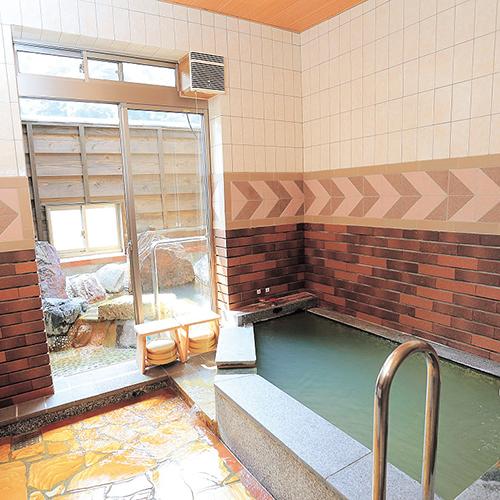 【リニューアル】肌にいいお湯と人気!露天風呂付き大浴場や家族湯を増設「美肌の湯 こしかの温泉」