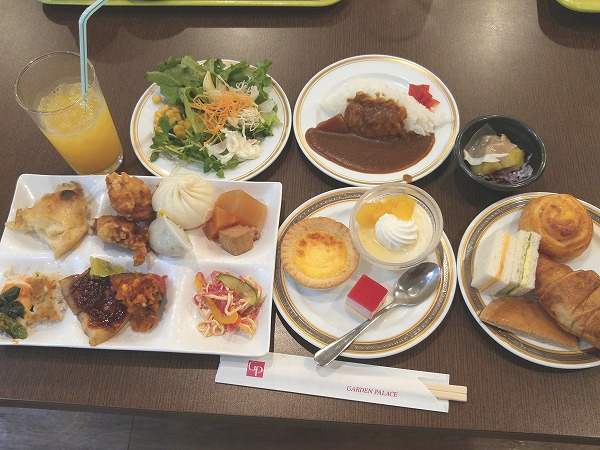 ホテルのランチバイキングが1200円! 新大阪「レストラン シーズン」