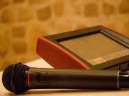 【10/17はカラオケ文化の日】自宅で歌えて楽しいカラオケアプリ♪「JOYSOUND」と「DAM」の使い勝手は?