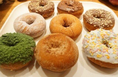 334 LUCKY DONUTS 茨木店