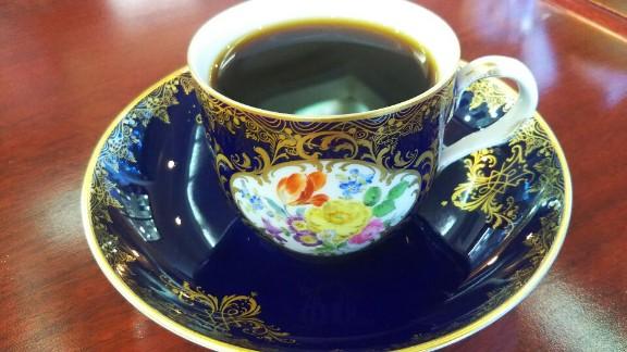 マイセンのカップで味わう珈琲「西山美術館 喫茶室 サロン・ド・カフェ」